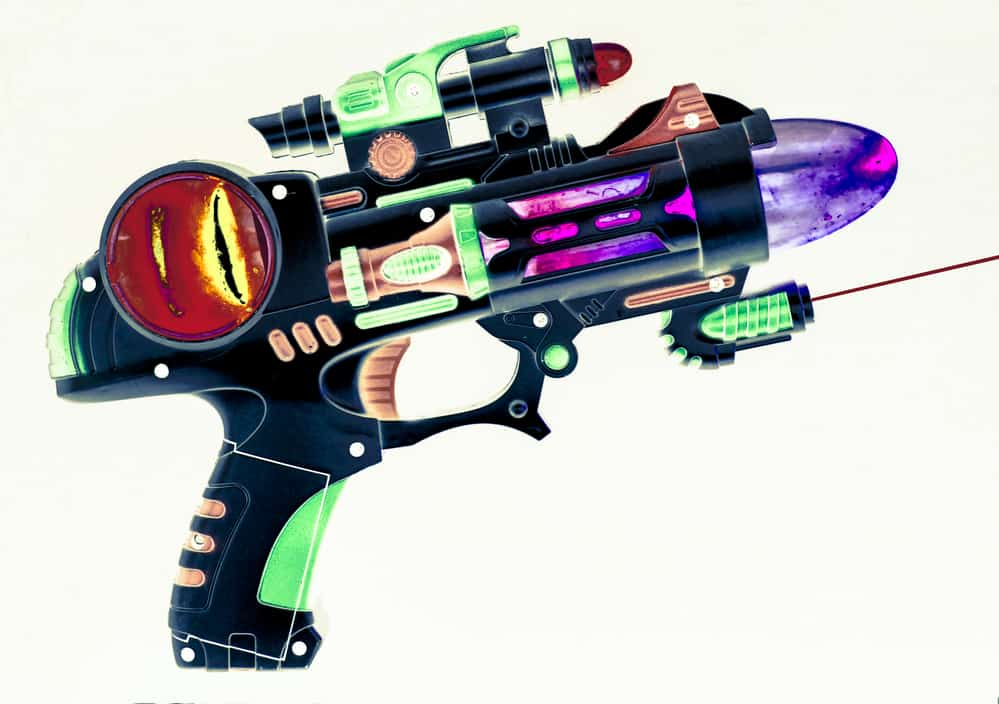 how a laser tag gun work